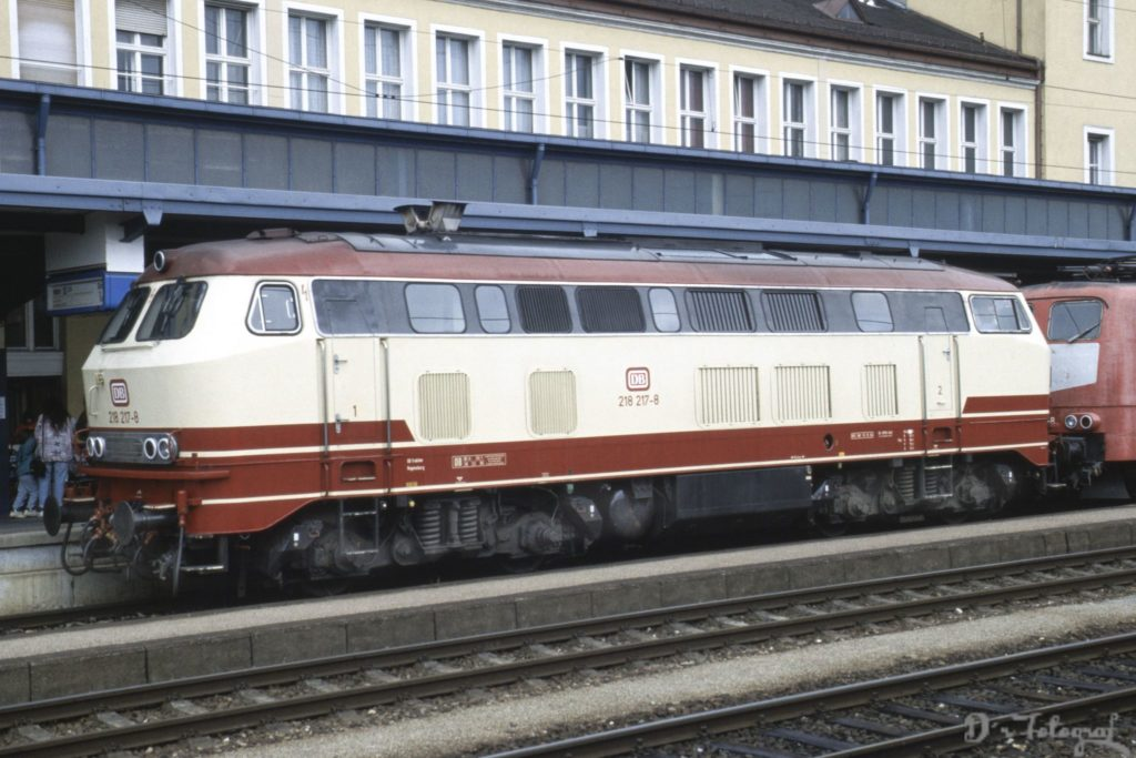 218 217-8 Regensburg Hbf 7.Juli 1996