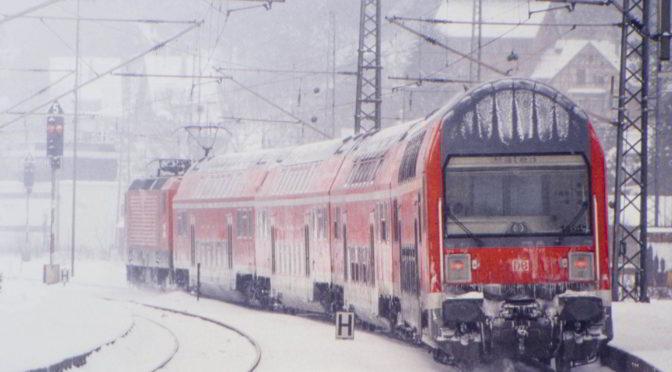 Winterlicher Zug